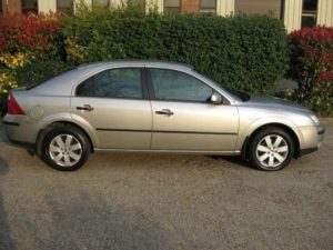 Used_Ford_Mondeo_2005_Grey_Hatchback_Petrol_for_Sale_in_Kent_UK